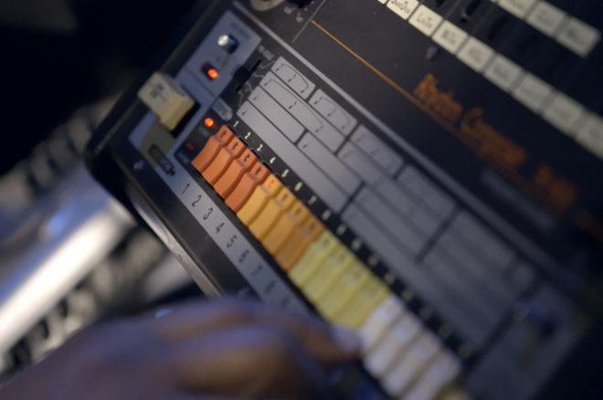 Izašao je dokumentarac o legendarnoj 808 ritam mašini
