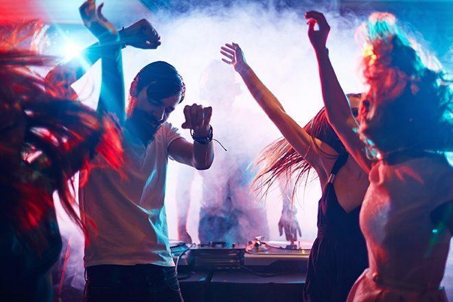 Sinkronizacija moždanih valova najveća je u prisutnosti žive glazbe