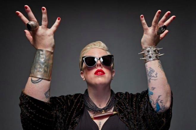 The Black Madonna najavila turneju s humanitarnom svrhom