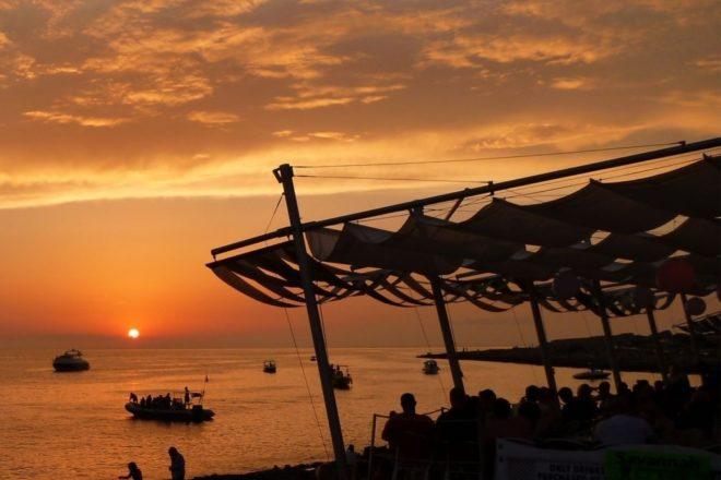Tri Café del Mar klasika za izležavanje vikendom