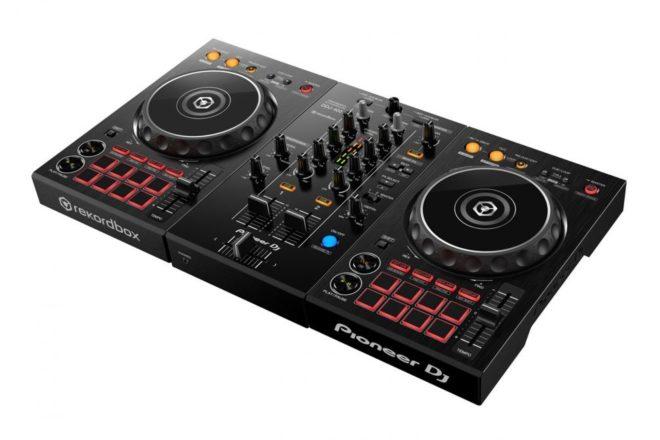 Novi Pioneer DJ kontroler idealan za početnike