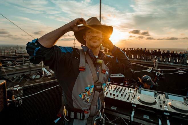 Diplo postao prvi DJ koji je svirao na vrhu slavnog mosta u Sydneyu