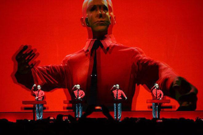 Video koji objašnjava kako radi Kraftwerkova MIDI kontroler rukavica