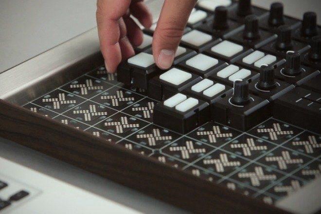 Modularni kontroler za DJ-eve i producente