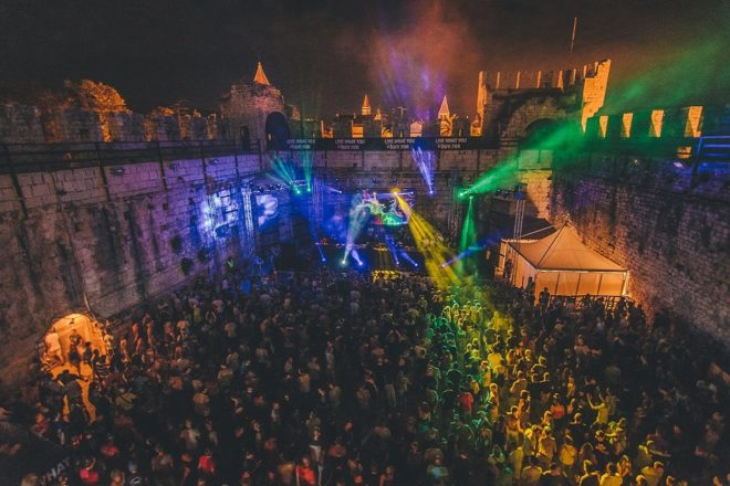 Moondance festival kompletirao line-up i objavio punu satnicu nastupa