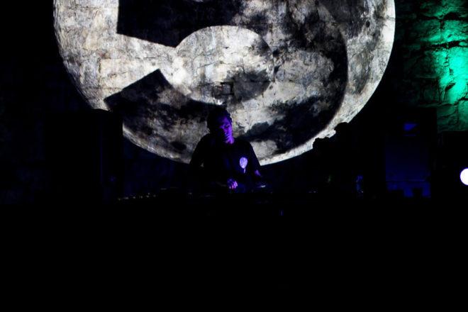 Moondance predstavlja Summer Heat s Oliver Deutschmannom i John Heckleom