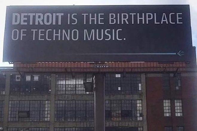 Jumbo plakat usred Detroita upozorava vozače na povijesnu ulogu grada u stvaranju techno glazbe